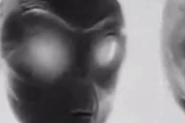 Phát hiện bộ ảnh 70 năm về người ngoài hành tinh - ảnh 2