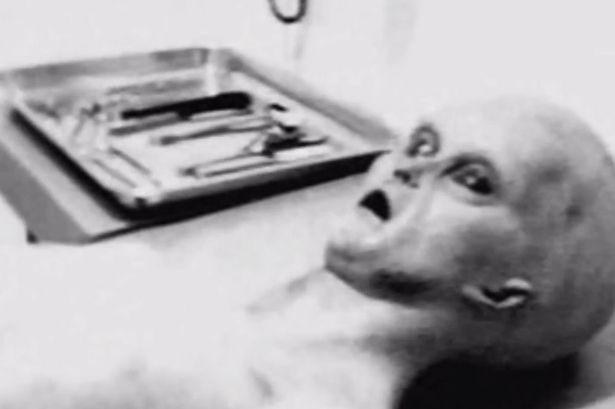Phát hiện bộ ảnh 70 năm về người ngoài hành tinh - ảnh 1