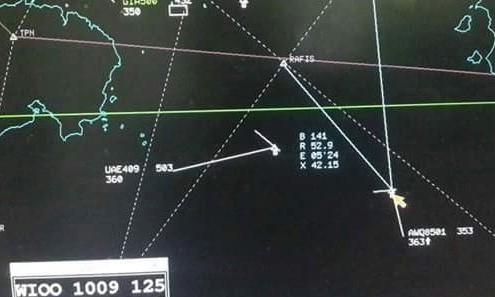 Máy bay QZ8501 'gặp vấn đề' vì... bay chậm - ảnh 1