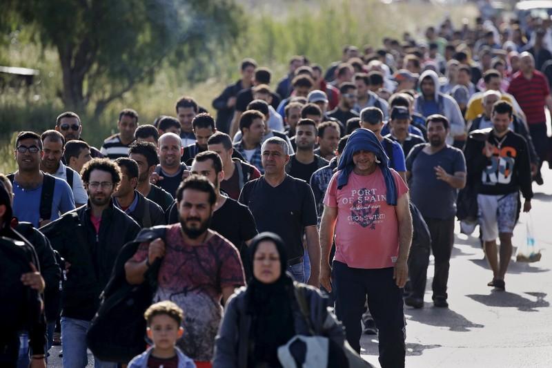 Nhật Bản phải lo cho dân trước khi giúp người tị nạn Syria - ảnh 2