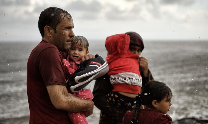 Nhật Bản phải lo cho dân trước khi giúp người tị nạn Syria - ảnh 1