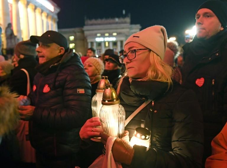 Thị trưởng Ba Lan bị đâm đã qua đời khiến châu Âu thương xót - ảnh 2