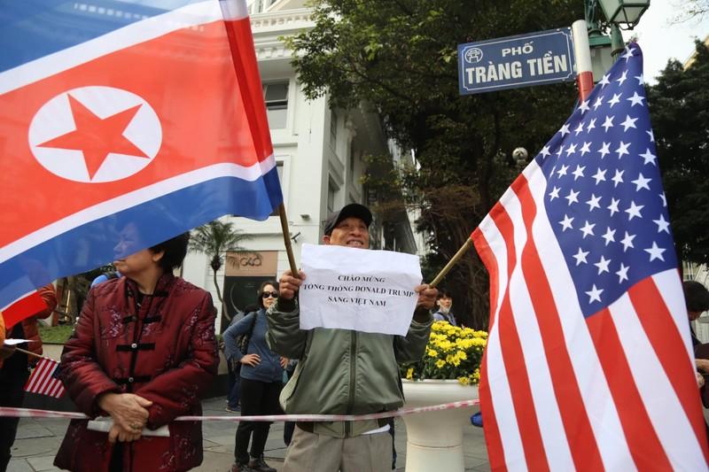 Mỹ-Triều ngày 1: Trump-Kim bắt tay 'lịch sử' giữa lòng Hà Nội - ảnh 17