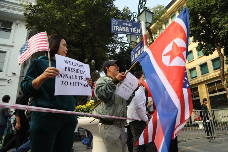 Mỹ-Triều ngày 1: Trump-Kim bắt tay 'lịch sử' giữa lòng Hà Nội - ảnh 19