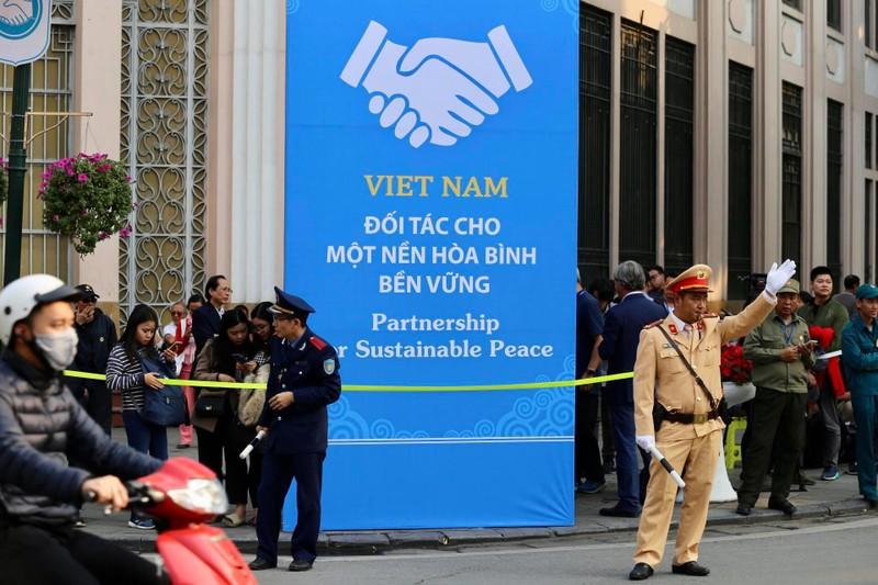 Mỹ-Triều ngày 1: Trump-Kim bắt tay 'lịch sử' giữa lòng Hà Nội - ảnh 20