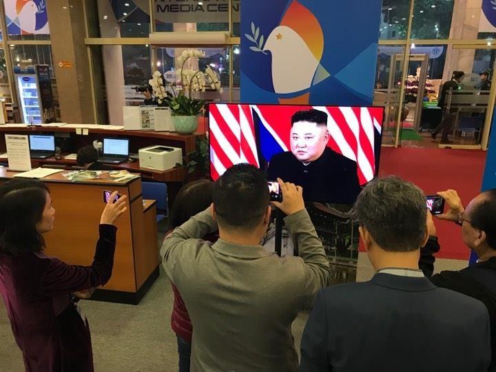 Mỹ-Triều ngày 1: Trump-Kim bắt tay 'lịch sử' giữa lòng Hà Nội - ảnh 9