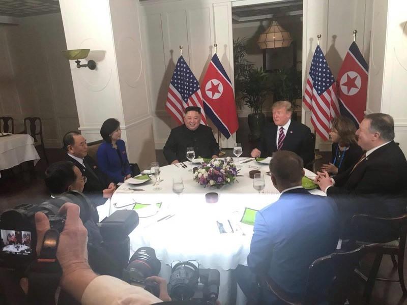 Mỹ-Triều ngày 1: Trump-Kim bắt tay 'lịch sử' giữa lòng Hà Nội - ảnh 4