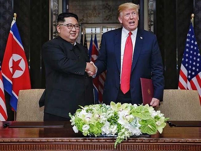 Mỹ-Triều ngày 1: Trump-Kim bắt tay 'lịch sử' giữa lòng Hà Nội - ảnh 73
