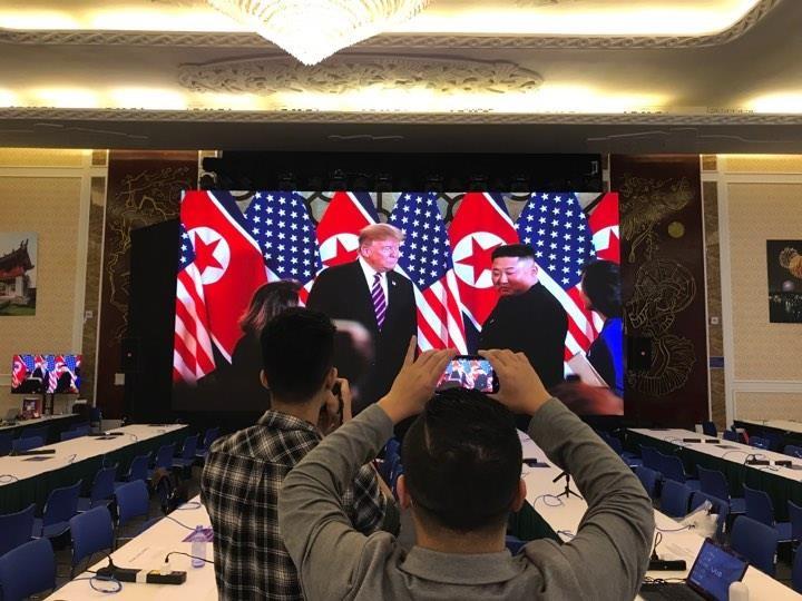 Mỹ-Triều ngày 1: Trump-Kim bắt tay 'lịch sử' giữa lòng Hà Nội - ảnh 12