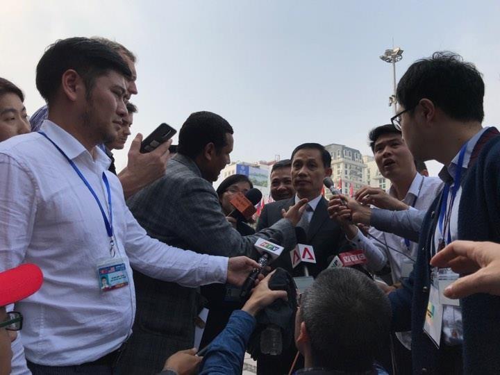 Mỹ-Triều ngày 1: Trump-Kim bắt tay 'lịch sử' giữa lòng Hà Nội - ảnh 30