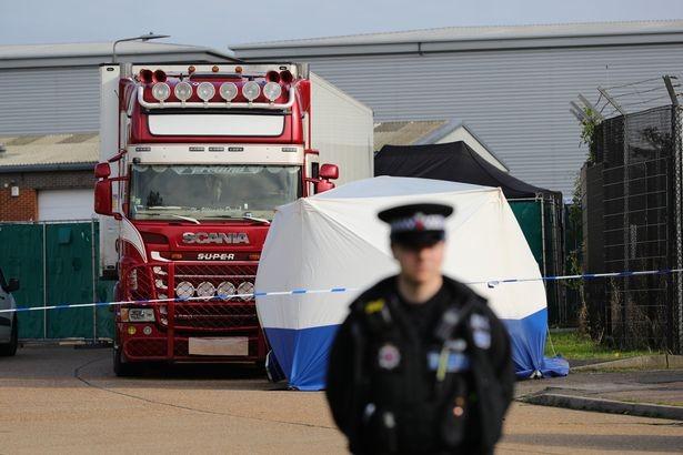 Từ vụ 39 người chết trong container đến 'bong bóng nhập cư' - ảnh 1