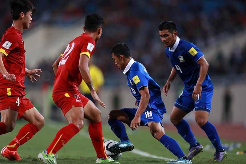 Thái Lan vỡ mộng World Cup, đe dọa AFF Cup - ảnh 2