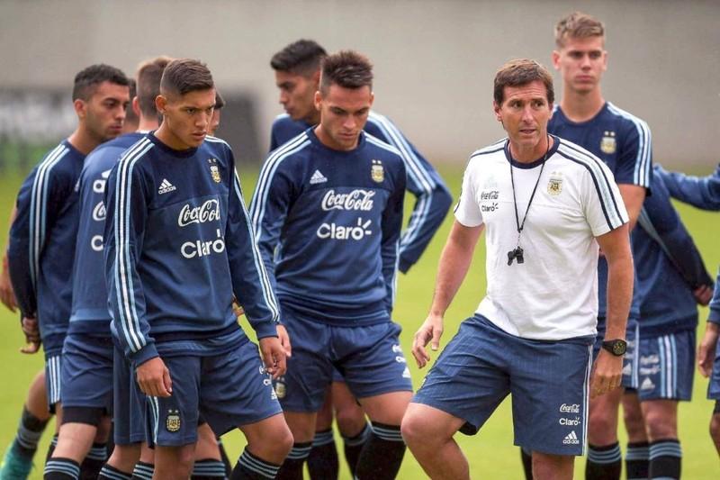 U-20 Argentina du đấu Việt Nam, chờ tranh cúp thế giới - ảnh 1
