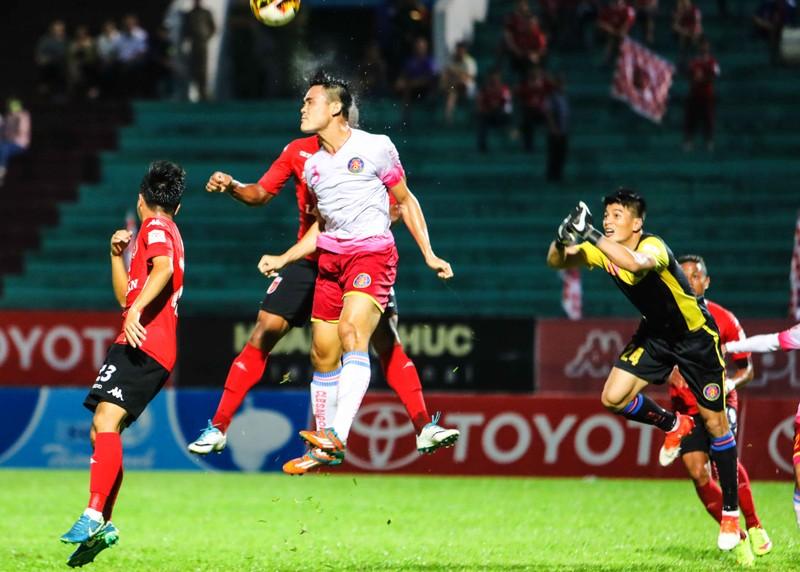 Vòng 23 V-League: Nhìn nhau mà đá! - ảnh 2
