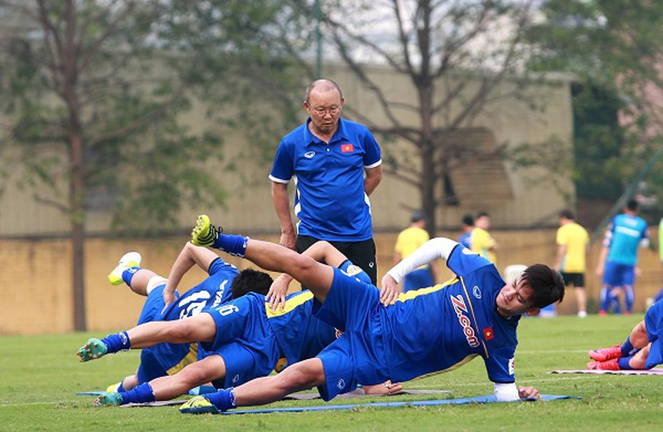 Thầy trò Park Hang-seo phải vào chung kết AFF Cup 2018 - ảnh 2
