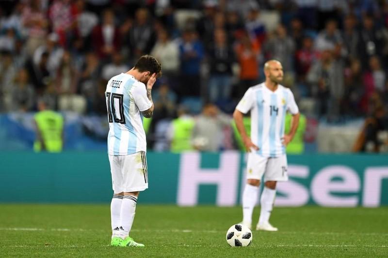 Mascherano tin vào Messi, nghi lật đổ HLV Sampaoli - ảnh 2