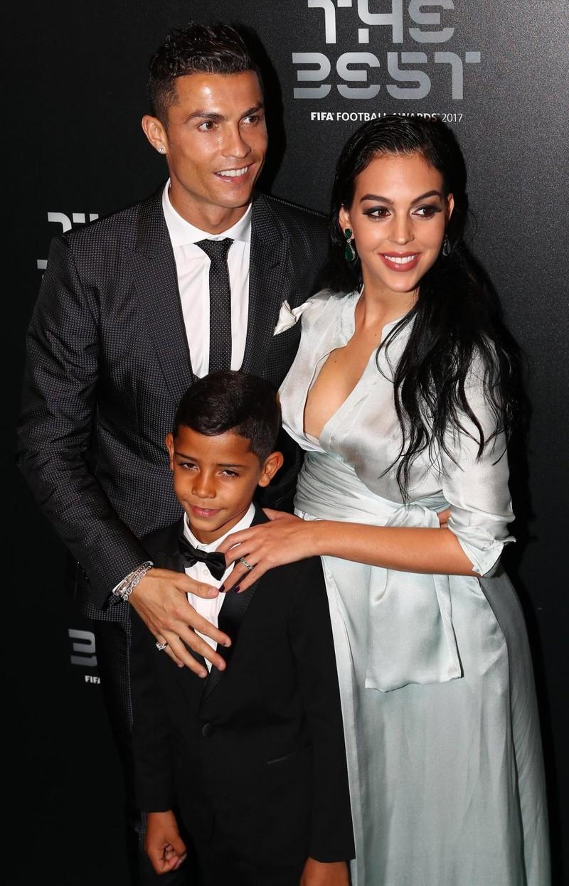 Sốc: Lộ diện nạn nhân thứ hai bị Ronaldo hiếp dâm  - ảnh 4