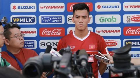 Vua phá lưới V-League không sợ mất chỗ chơi AFF Cup - ảnh 2