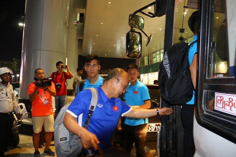 Thầy trò Park Hang-seo đã đến Myanmar chuẩn bị quyết đấu - ảnh 6