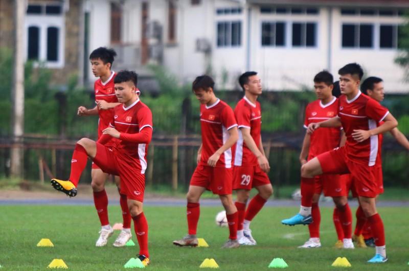Myanmar mưa lớn, tuyển Việt Nam suýt hủy tập - ảnh 8