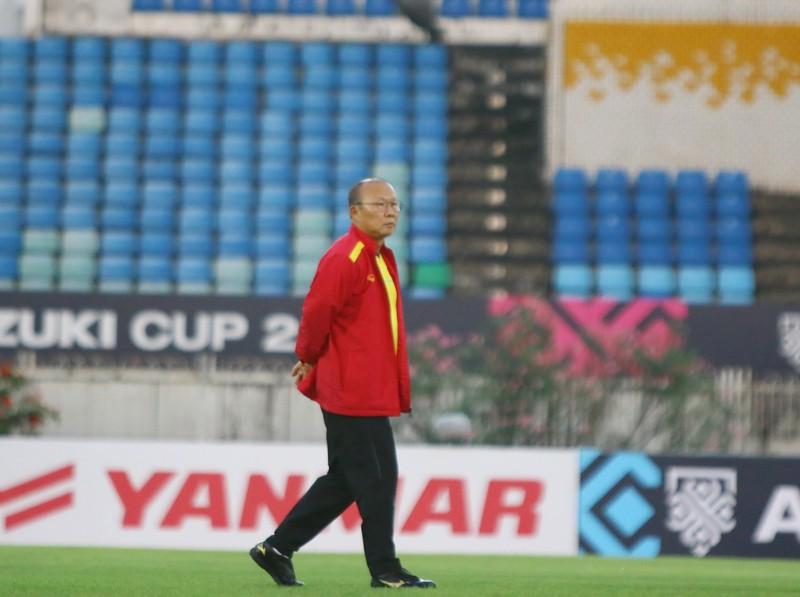 Ông giáo Park Hang-seo dễ thương trước trận quyết đấu Myanmar - ảnh 3