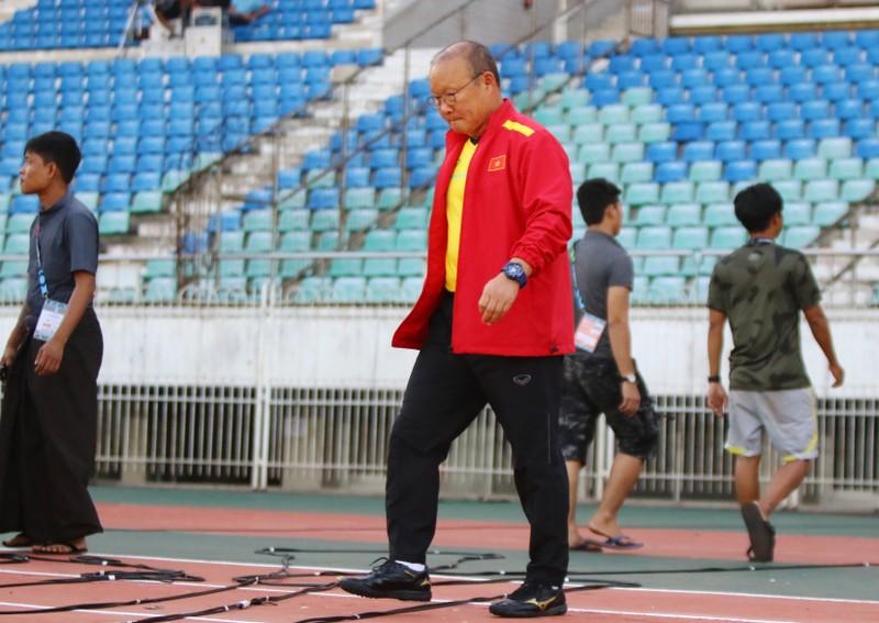 Ông giáo Park Hang-seo dễ thương trước trận quyết đấu Myanmar - ảnh 2