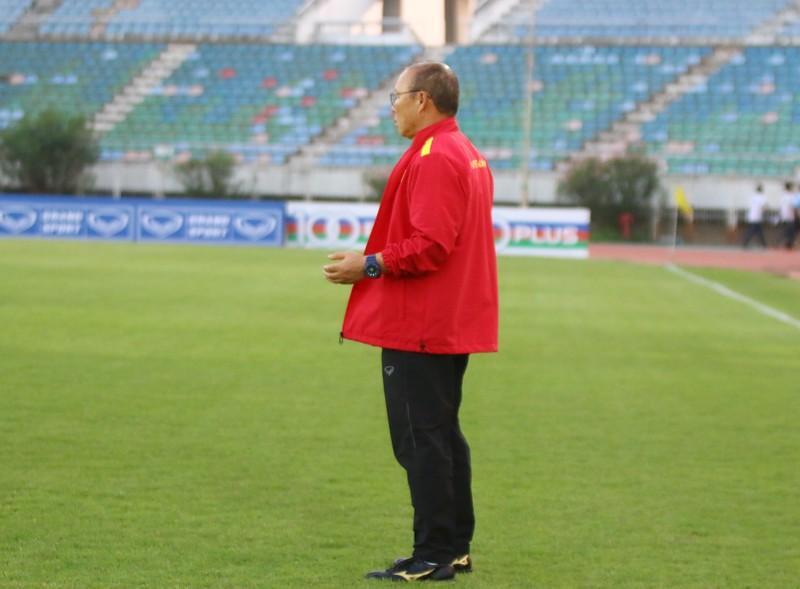 Ông giáo Park Hang-seo dễ thương trước trận quyết đấu Myanmar - ảnh 4