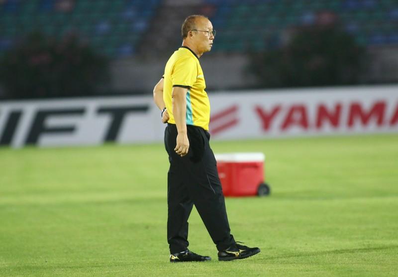 Ông giáo Park Hang-seo dễ thương trước trận quyết đấu Myanmar - ảnh 9