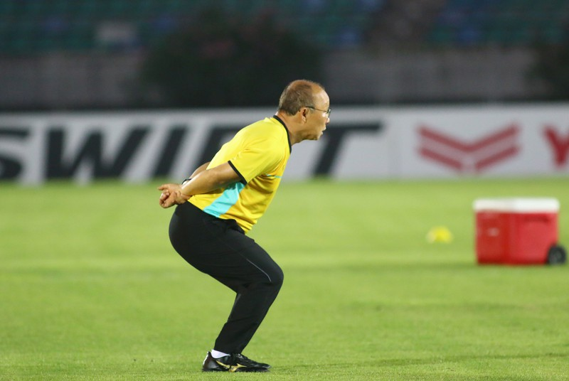 Ông giáo Park Hang-seo dễ thương trước trận quyết đấu Myanmar - ảnh 10