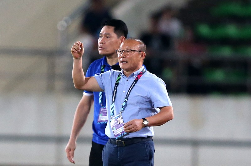 Chiêu trò độc, lạ của thầy Park lấy 3 điểm ở sân Myanmar! - ảnh 1