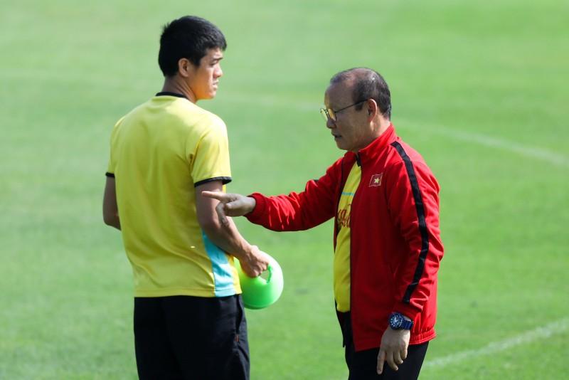 Thầy trò ông Park mạnh mẽ chờ đá knock out với Philippines - ảnh 2