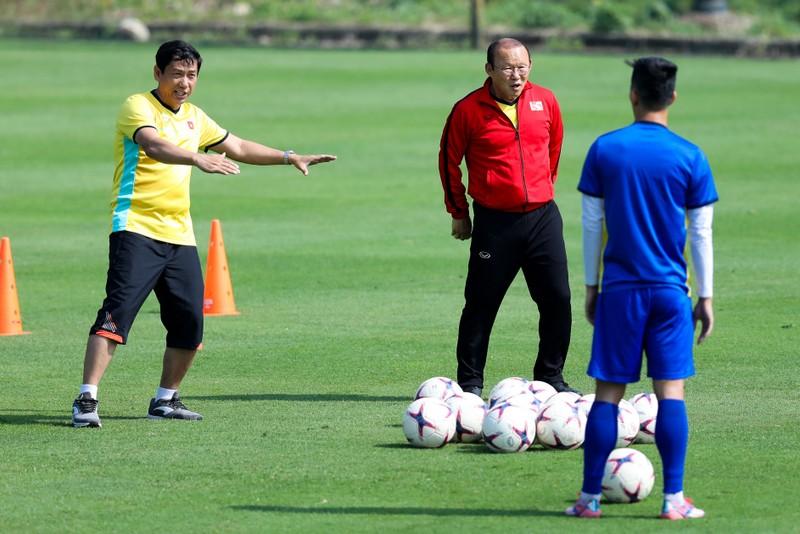 Thầy trò ông Park mạnh mẽ chờ đá knock out với Philippines - ảnh 6