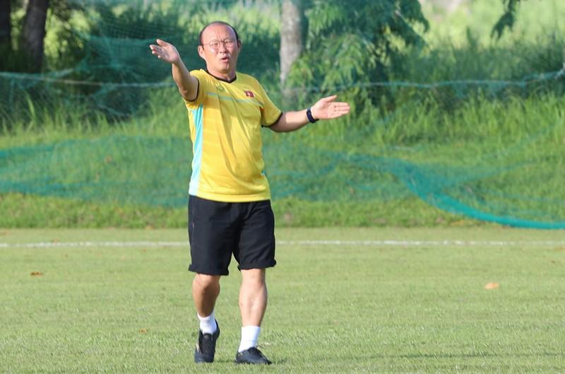 Ông Park dạy tiền đạo ghi bàn và thủ môn chống không chiến - ảnh 7