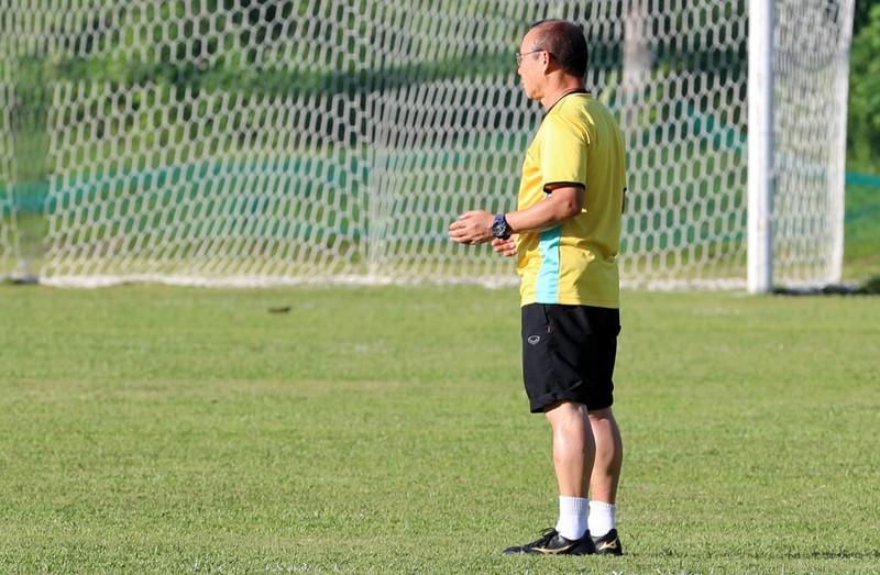Ông Park dạy tiền đạo ghi bàn và thủ môn chống không chiến - ảnh 5