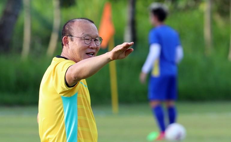 Ông Park dạy tiền đạo ghi bàn và thủ môn chống không chiến - ảnh 8