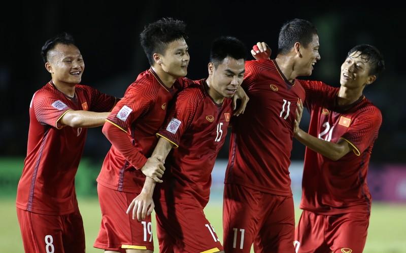 'Quái kiệt' Văn Đức hay nhất trận thắng Philippines - ảnh 2