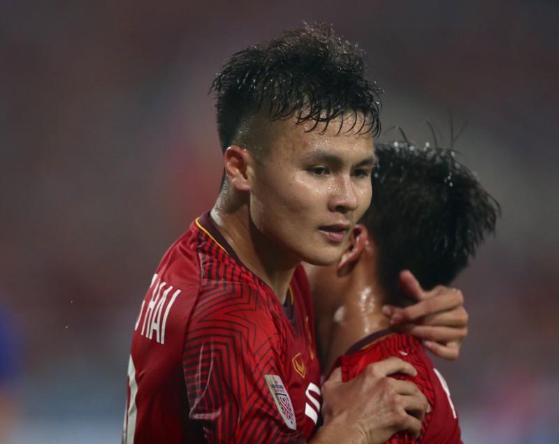 Quang Hải tái đấu Stephan Schrock đáng gờm ở AFC Cup  - ảnh 3
