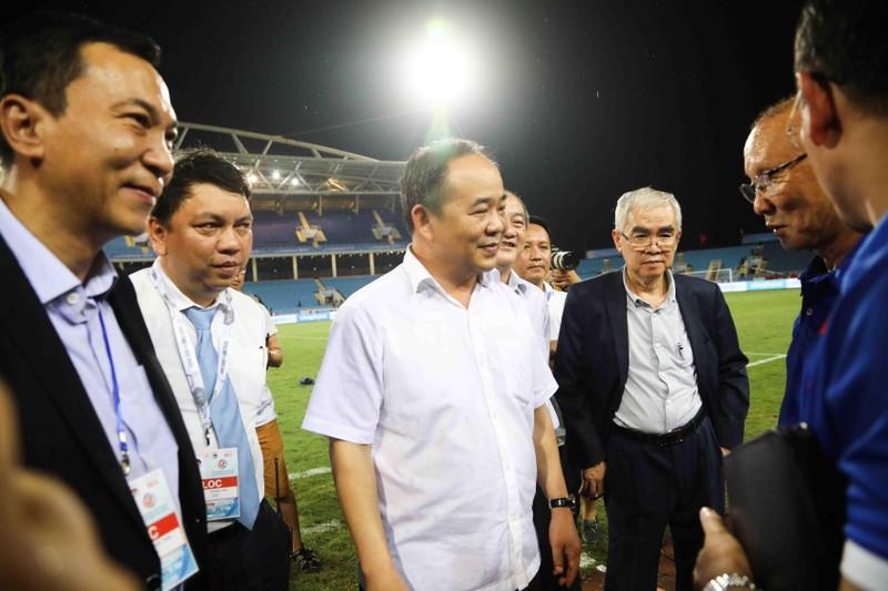 Ông Cấn Văn Nghĩa từ chức không ảnh hưởng gì đến VFF - ảnh 3