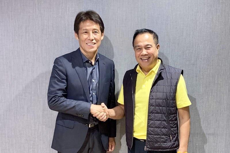 Chủ tịch LĐBĐ Thái Lan Somyot phản ứng HLV Akira Nishino - ảnh 2