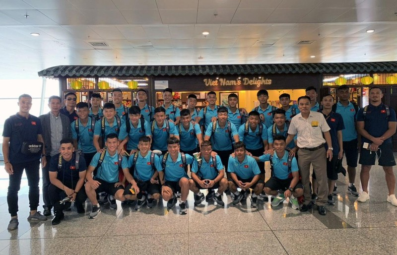 HLV Nishino gặp gỡ tuyển trẻ Thái trước cuộc đụng độ Việt Nam - ảnh 3