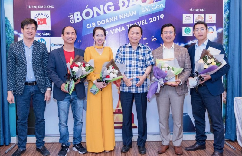 Doanh nhân Sài Gòn rộn ràng với giải bóng đá cao thượng - ảnh 4