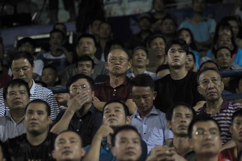 Chơi xấu dưới mắt thầy Park, tiền vệ Hải Huy mất suất tuyển - ảnh 1