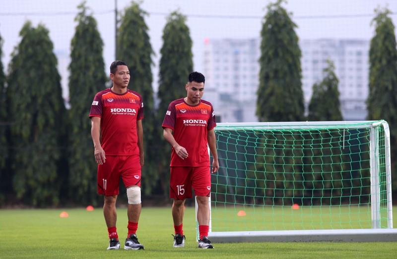 Ông Park loại 3 cầu thủ sang Thái Lan, hồi hộp với Văn Hậu - ảnh 4