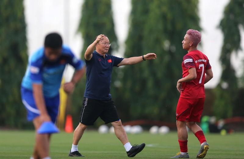 Thầy trò ông Park tập trung vô hiệu hóa 'Messi Thái' - ảnh 1