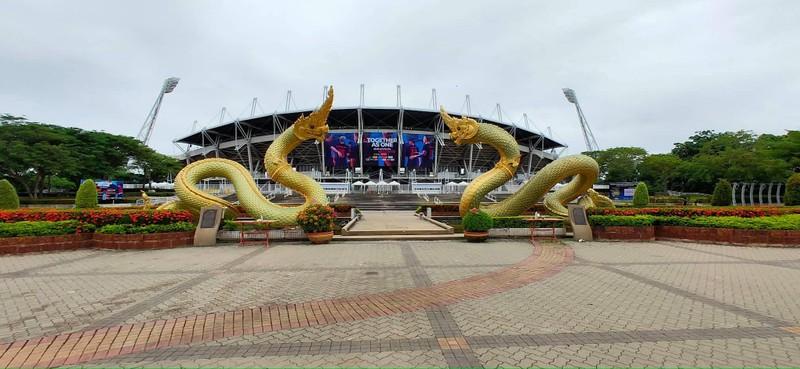 'Đột nhập' sân Thammasat trước đại chiến Thái Lan - Việt Nam - ảnh 2
