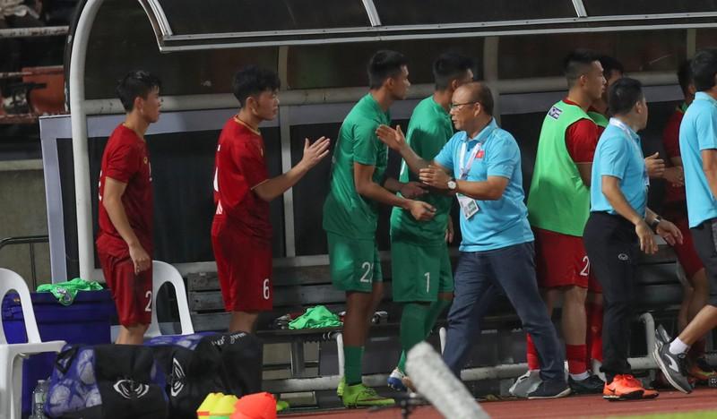 Thầy trò ông Park không chỉ đối đầu với Thái Lan… - ảnh 1