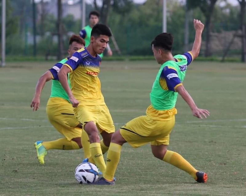Sau trận hòa Thái, ông Park 'đấu tay đôi' Guus Hiddink - ảnh 1