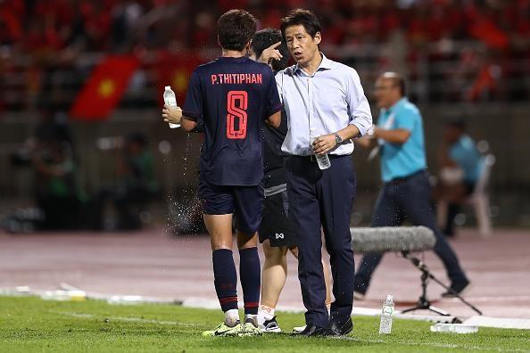 Thầy Park hiểu người Thái hơn ông Nishino biết về Việt Nam - ảnh 1