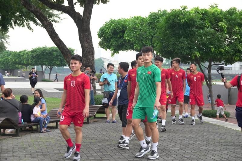 Thầy trò ông Park thư thái trước trận quyết đấu Singapore - ảnh 6