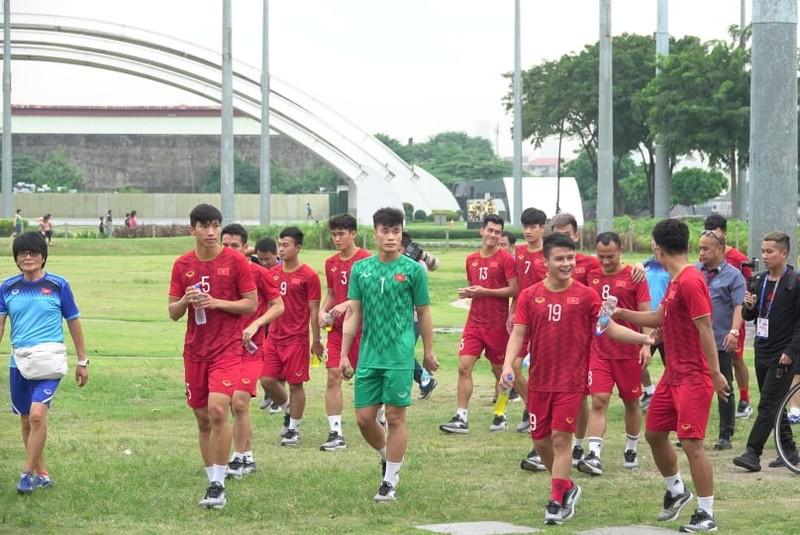 Thầy trò ông Park thư thái trước trận quyết đấu Singapore - ảnh 7